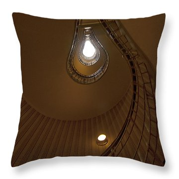 Licht Throw Pillows