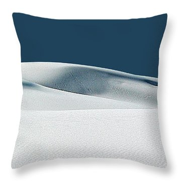 Espoir Et Grace-hope And Grace Throw Pillow