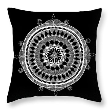 Estrella Mandala Throw Pillow