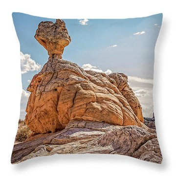 Et Rock Formation Throw Pillow