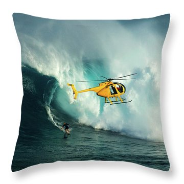 Extreme Surfing Hawaii 6 Throw Pillow