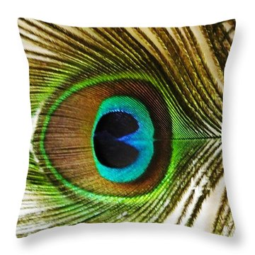 Eye Of Peacock Throw Pillow