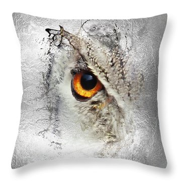 Throw Pillow featuring the photograph Eye Of The Owl 1 by Fran Riley