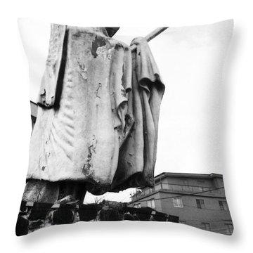 Eyo Statue, Idumota Throw Pillow