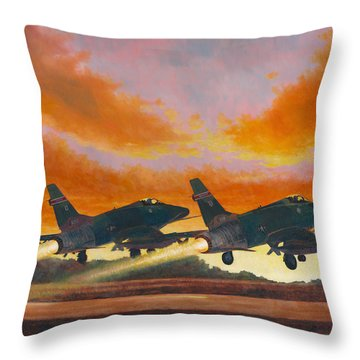 F-100d's Missouri Ang At Dusk Throw Pillow