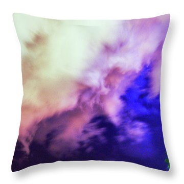 Faces In The Clouds 002 Throw Pillow