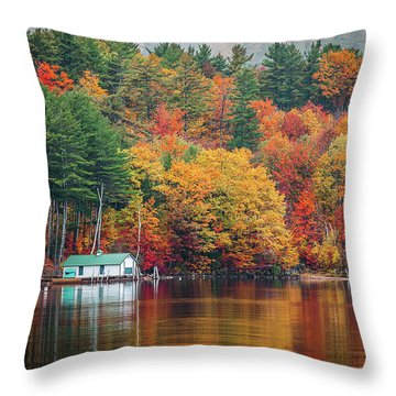 Fall On Lake Winnipesaukee Throw Pillow
