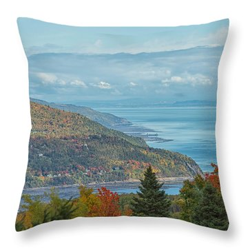 Fall View Of The St. Lawrence Throw Pillow