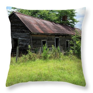Farmhouse Abandoned Throw Pillow