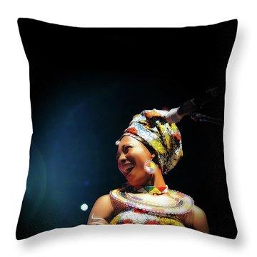 Fatoumata Diawara Throw Pillow