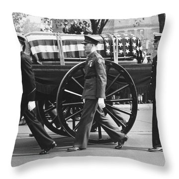 Fdr Funeral Proccesion Throw Pillow
