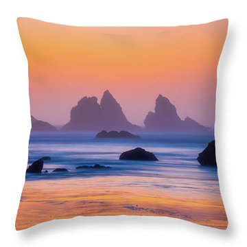 Throw Pillow featuring the photograph Final Moments by Darren White