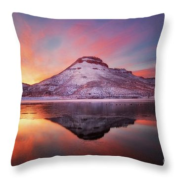 Fire And Ice - Flatiron Reservoir, Loveland Colorado Throw Pillow