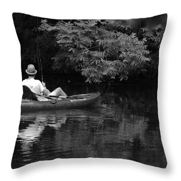 Fisherman On Lady Bird Lake - Bw Throw Pillow