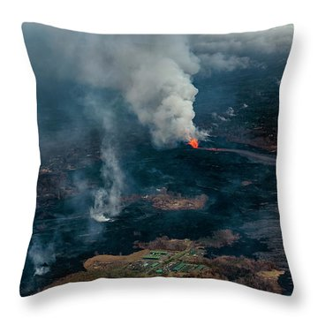 Fissure Line Throw Pillow