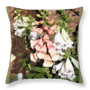 Floral Niagra Throw Pillow