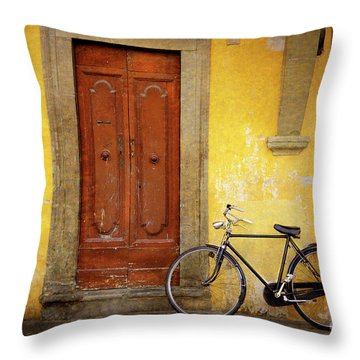 Throw Pillow featuring the photograph Florence Bicycle Under The Sun by Craig J Satterlee
