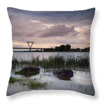 Flughafenbruecke Am Rhein Throw Pillow