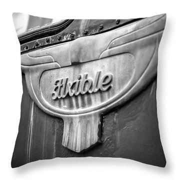 Flxible Clipper 1948 Bw Throw Pillow