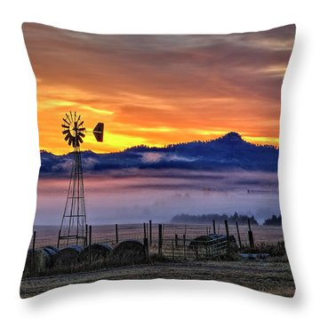 Foggy Spearfish Sunrise Throw Pillow