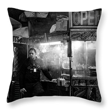Food Vendor In Nyc Throw Pillow