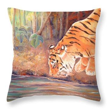 Forest Tiger Throw Pillow