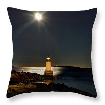 Fort Pickering Light 283 Throw Pillow