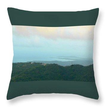 Foto Desde El Yunque Rain Forest Throw Pillow