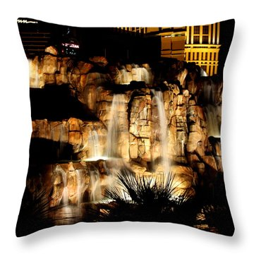 Fountain At The Mirage Throw Pillow