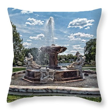 Fountain - Cleveland Museum Of Art Throw Pillow