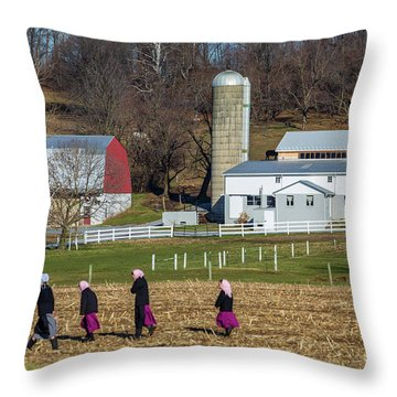 Four Amish Women In Field Throw Pillow