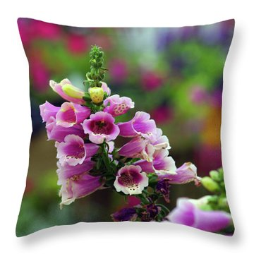 Foxglove 1154 H_2 Throw Pillow