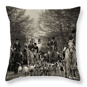 Foxhunt Throw Pillow