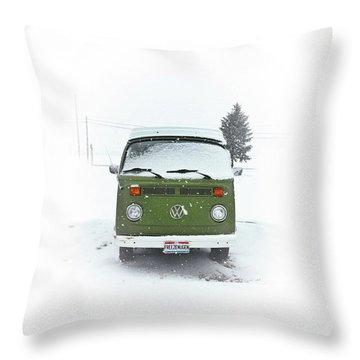 Freezenugen Throw Pillow