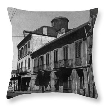 French Quarter Residences Throw Pillow