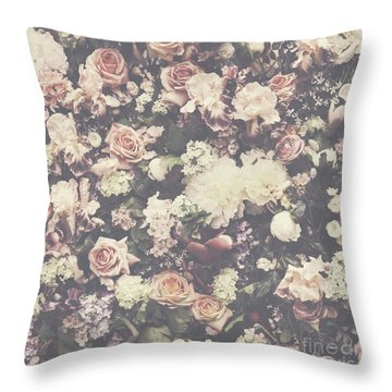 Fresh Flower Pattern Background Throw Pillow