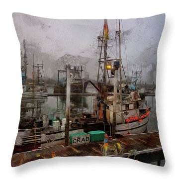 Fresh Live Crab Throw Pillow