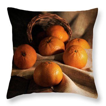 Throw Pillow featuring the photograph Fresh Tangerines In Brown Basket by Jaroslaw Blaminsky