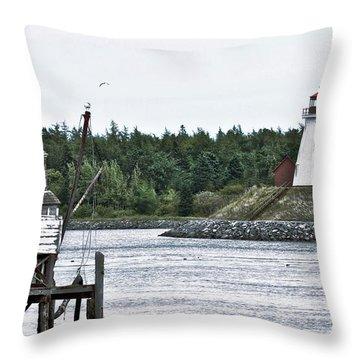 Friar's Head Lighthouse Throw Pillow