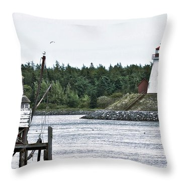 Friar's Head Lighthouse Throw Pillow