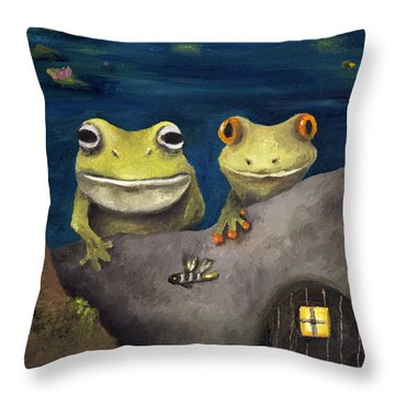 Frogland Detail Throw Pillow