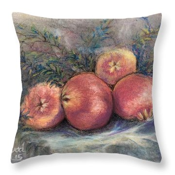 Pomgrenadin  Throw Pillow