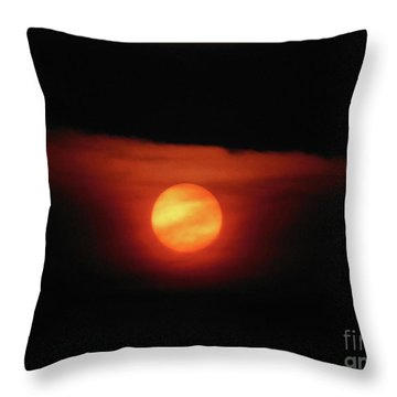 Full Harvest Moon Throw Pillow