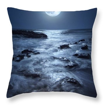 Full Moon Rising Over Coral Cove Beach In Jupiter, Florida Throw Pillow