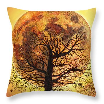 Full Moonrise. Throw Pillow
