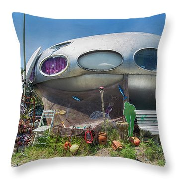 Throw Pillow featuring the photograph Futuro House by Alan Raasch