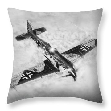 Fw-109a Throw Pillow