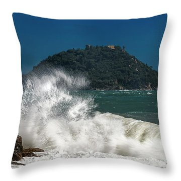 Gallinara Island Seastorm - Mareggiata All'isola Gallinara Throw Pillow