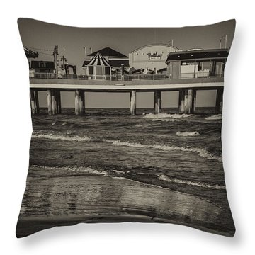 Galveston Pleasure Pier - Black And White Throw Pillow