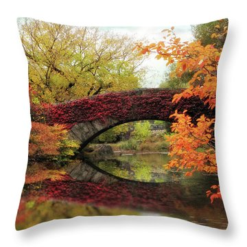Gapstow Glory Throw Pillow